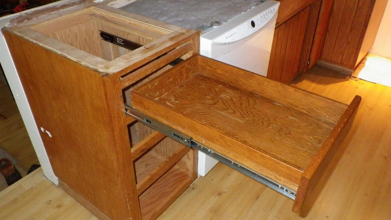 Kitchen Upgrade – New Drawer Slides